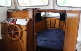 Kokpit lodě typu Emma