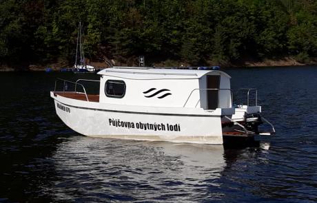 Krajánek 670 při plavbě
