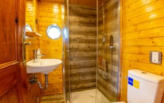 WC - sprchový kout